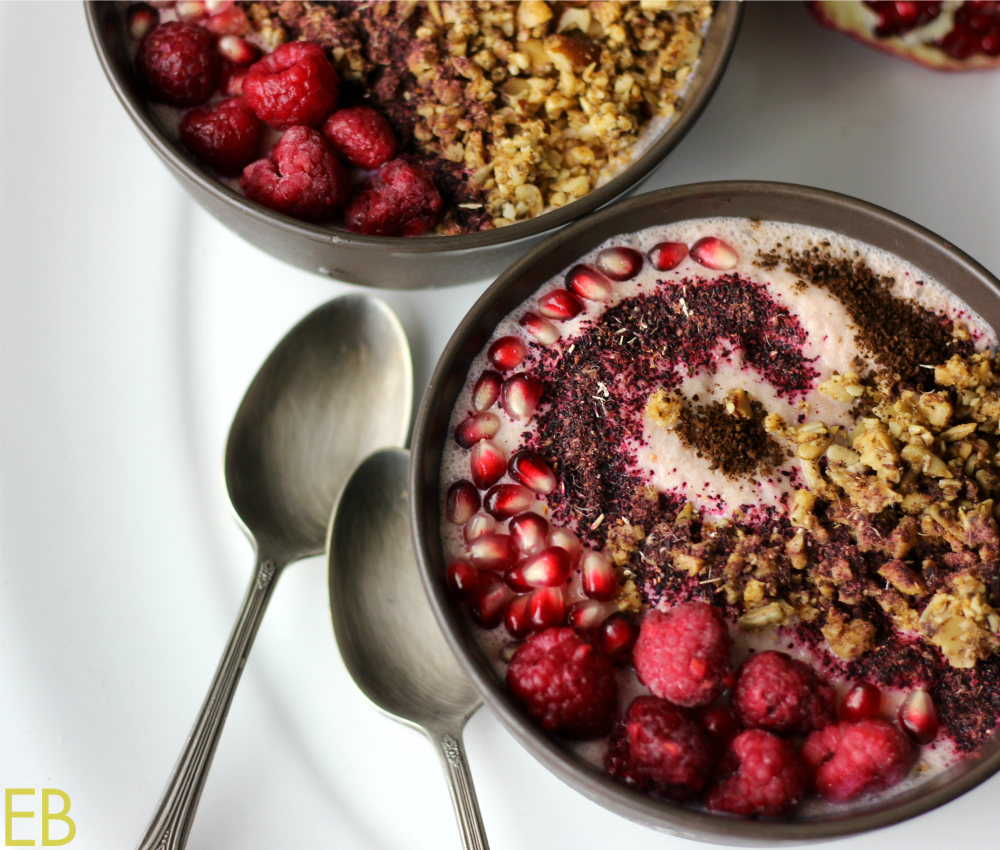 Pomegranate Smoothie Bowl