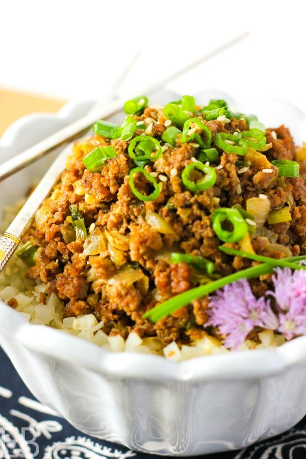 15-minute KETO Asian Beef Bowl {Paleo, GAPS, Whole30} #keto #paleo #gapsdiet #whole30 #beefbowl #asianbeef