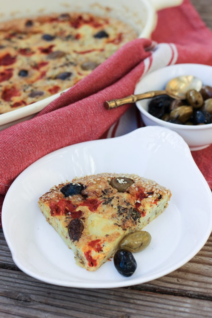 Whole30 Mediterranean Crustless Quiche with Brined Olives, Roasted Peppers, Potatoes and Za'atar {dairy-free | Paleo | GAPS} This is one creamy, delicious meal that's easy to prepare but impressive to see and eat! #whole30 #whole30dinner #whole30quiche #crustlessquiche #gapsdiet #gapsdinner #gapsquiche