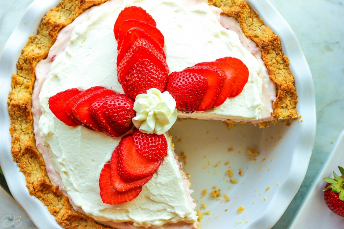 overhead view of keto strawberry cream pie