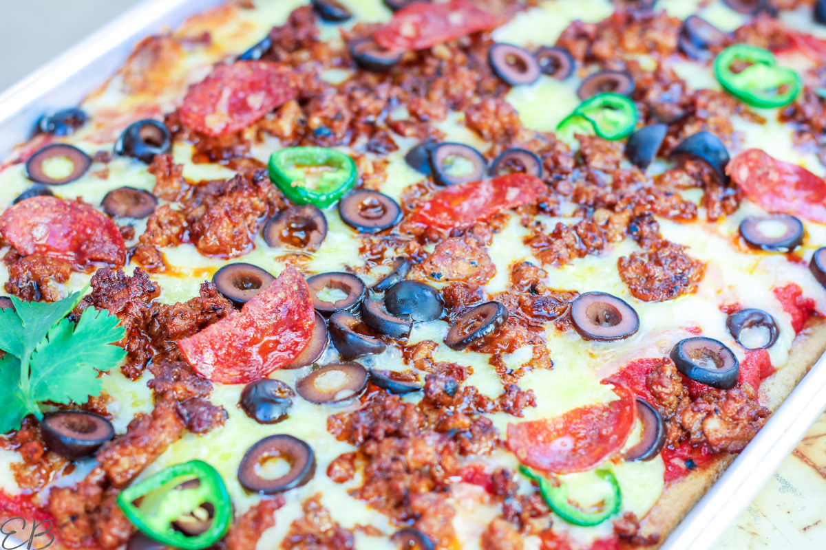 up close view of pan pizza