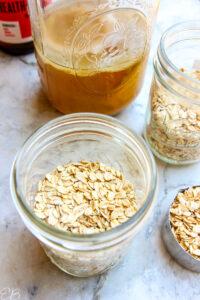 dry oats in mason jar before adding kombucha