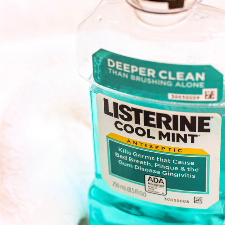 image of Listerine bottle with white background